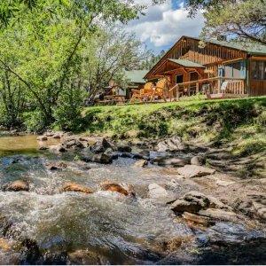 一律8.5折Expedia 科罗拉多河景独栋度假木屋促销 适合全家出游