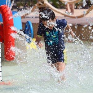 抓住夏天的小尾巴去玩水水上游乐场和Splash-pads开放啦 周末快带着神兽去耍 内附地址