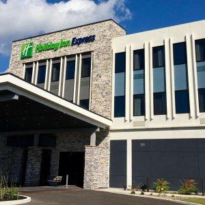 Holiday Inn Express : Grand Island - Niagara Falls