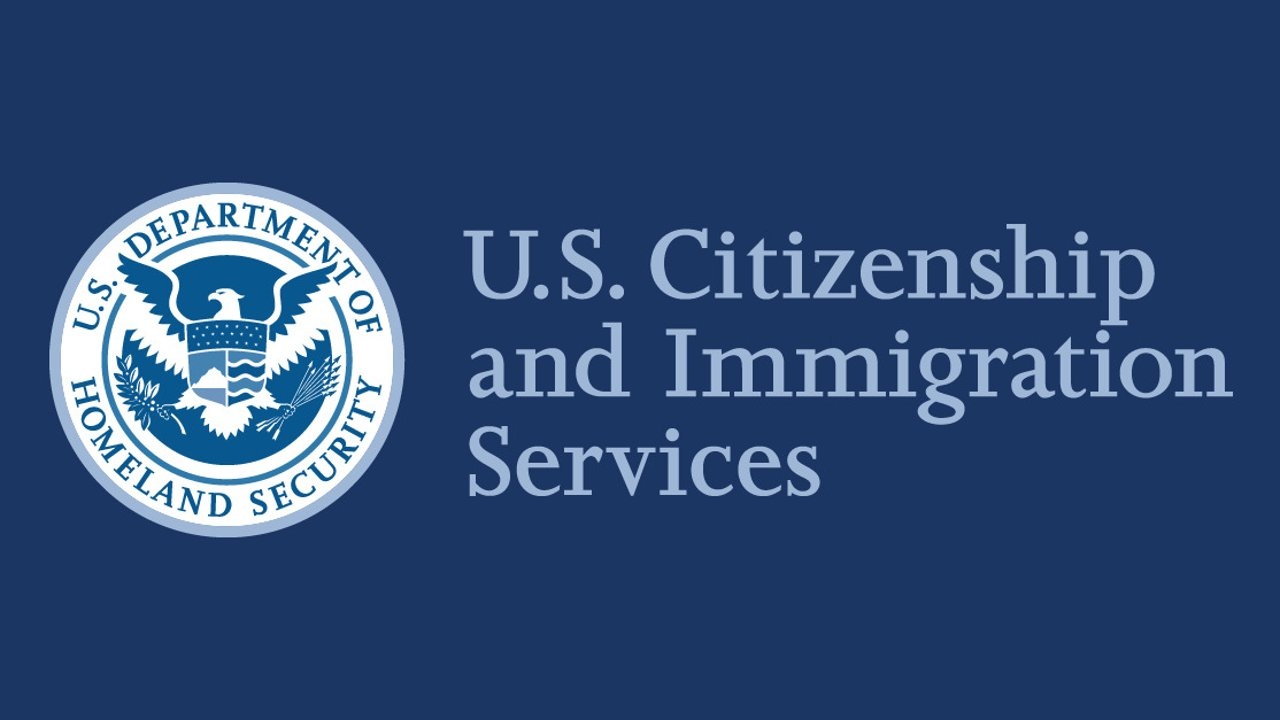 如何快速接通移民局人工服务?哪些方法可以联系移民局USCIS?