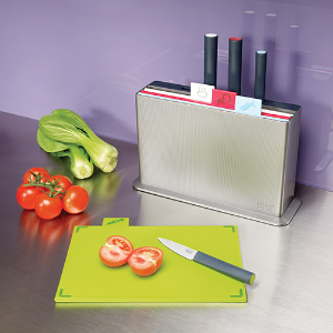 现价£55(原价£80)收砧板终结者Joseph Joseph 分类组合菜板+刀具厨房套装
