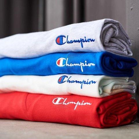 低至4.5折起 卫衣£25起JD Sports 运动休闲风卫衣专场 Nike、Champion多种大牌都参与