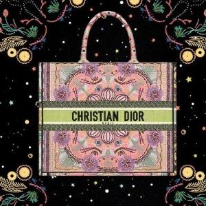 又仙又御 嫩色夏天时代Dior 2021春夏新款度假系列上市啦 意大利风情Get起来
