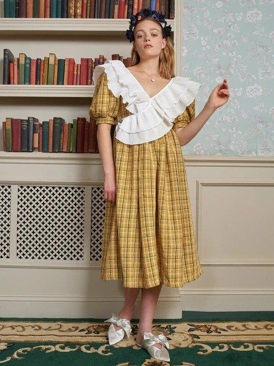 黄色格纹针织连衣裙