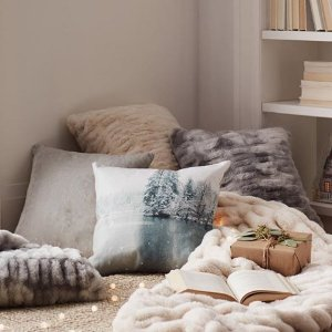 低至2.5折 $9.5收抱枕套Indigo 舒适抱枕套、毯子等促销热卖 满满舒适感