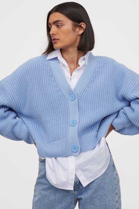 婴儿蓝毛衣