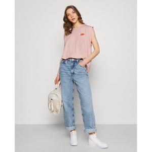 Nike粉色垫肩T恤