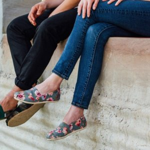 Extra 20% OffSale Items @ TOMS