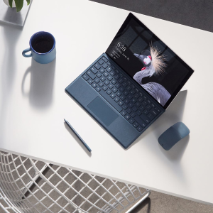 现价£832.15(原价£979)Microsoft Surface Pro 平板电脑 (i5, 4GB, 128GB)