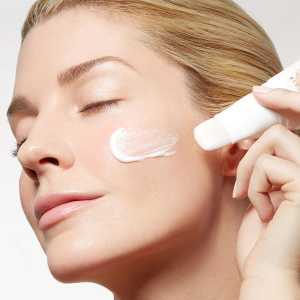 2/$99 + extra 20% offDealmoon Exclusive: Hyaluronic Express Brush Mask Sale