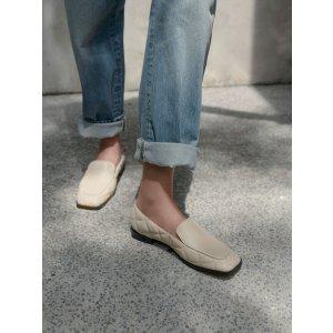 Charles & Keith米白菱格乐福鞋