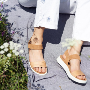 Up to 30% Off+Extra 40% OffECCO Select Sandals On Sale