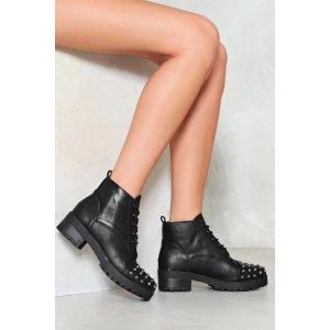 Nasty Gal铆钉短靴