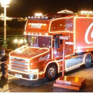 免费拿可乐哦2019可口可乐圣诞卡车英国19城巡游路线公布 可乐迷过节