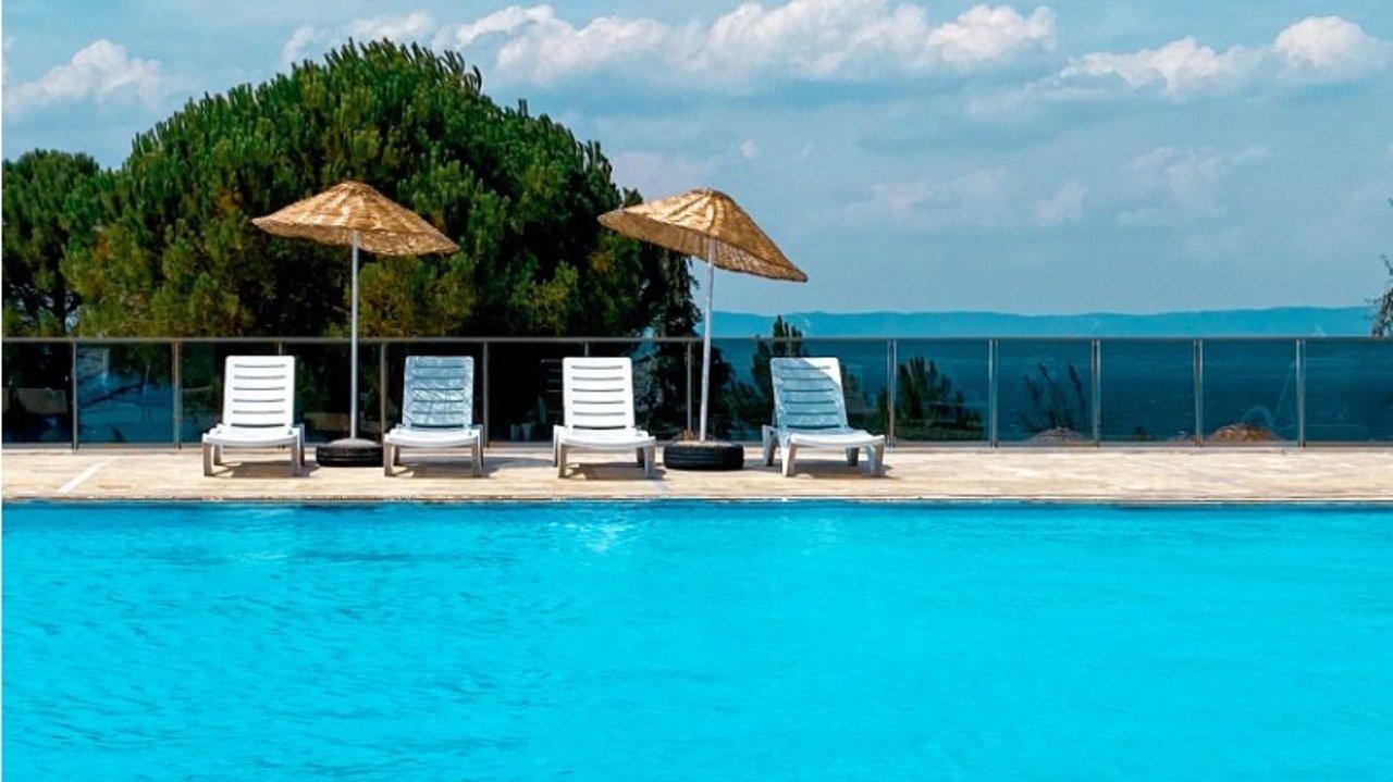 天气太热?巴黎有这些露天游泳池值得打卡!一起来凉快凉快吧~