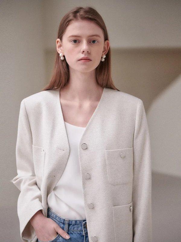 白色短款外套