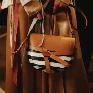低至2折 $100入Dior 墨镜Rue La La 大牌服饰、鞋包、彩妆热卖 Chloe、TB都有
