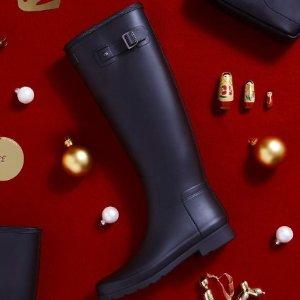 无门槛8折 雨靴和靴袜更配哦黑五价:Hunter 经典雨靴雨具大促 从此爱上潮湿的下雨天