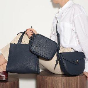 低至7.2折 $63收脏粉色斜跨包Ela 时尚手袋钱包热卖 低调奢华设计 送人自用都合适