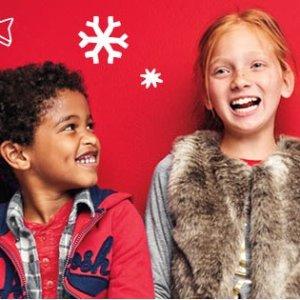 全场包邮+低至4折+满额8折+超值返券黒五价:国民童装品牌OshKosh BGosh 全场大促,满$25返$10 Fun Cash