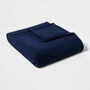 Room EssentialsTwin/Twin XL Solid Fleece Bed Blanket Navy