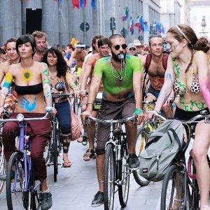 街头裸骑/花卉集市/啤酒节多伦多周末游:各大露天狂欢活动等着你