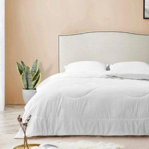 LIFEASESkin-Friendly Silk Thin Comforter