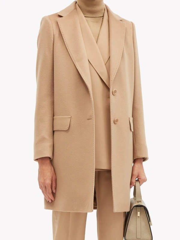 驼色羊毛大衣