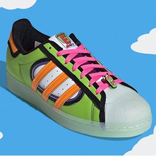 辛普森 x adidas 全新联名贝壳鞋即将发售辛普森 x adidas 全新联名贝壳鞋即将发售