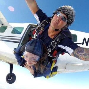 £199/人飞机跳伞 专业团队满分好评 终于解禁尽情玩一把