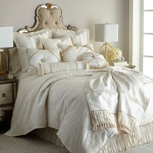 Extra 40% off + Free ShippingSelect Bedding on Sale @ Horchow