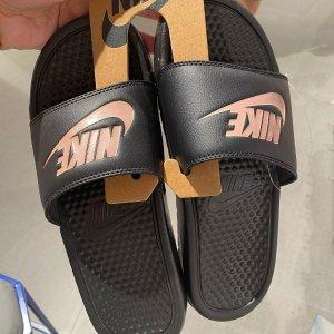 折扣区6折起Nike 超酷拖鞋、凉鞋折扣专场 踩上jio一秒出门 清凉一夏