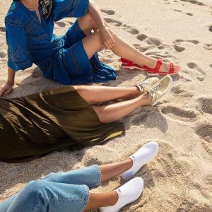 低至5折 超舒适凉鞋£21起Fitflop官网 男女休闲鞋、凉鞋大促 舒服又轻便的鞋子这里挑