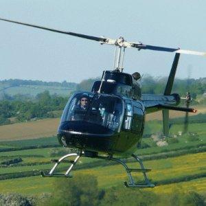 低至4.1折起英伦直升机之旅超值价 千尺高空俯瞰城市 梦幻冲上云霄