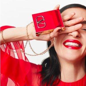 售价$41起Valentino 全新彩妆系列首发!红毯高定既视感 绝美红色调yyds