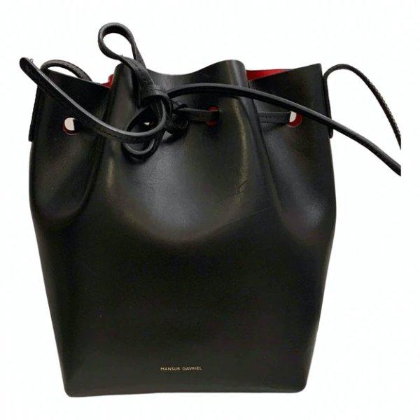 黑色抽绳水桶包