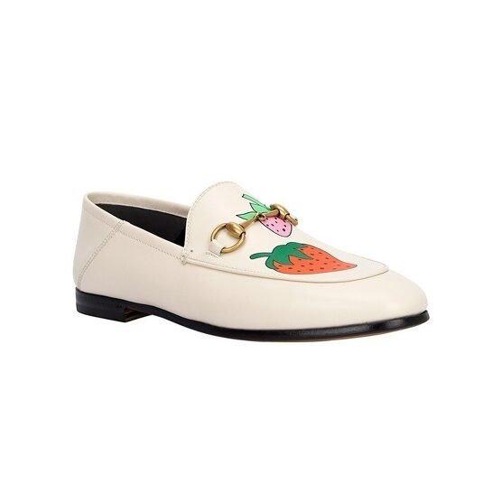 草莓踩跟乐福鞋