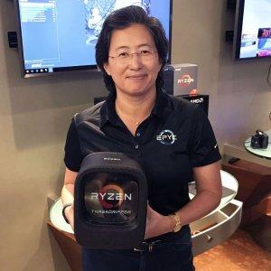 """城市套路深,我要回""""县城""""AMD 又血亏?6核i7-8086K 免费换 16核线程撕裂者1950X"""