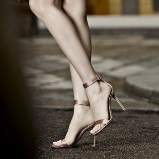 Up to 60% Off + Extra 20% OffGianvito Rossi Sale @Barneys New York