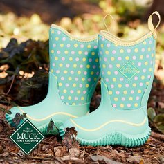 Last Day: Up to 55% OffMuck Kids Rain Boots Sale @ Zulily