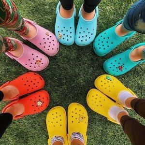 一律$30 $35 $40最后一天:Crocs 洞洞鞋特卖大促 清爽一夏天