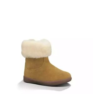 Up to 64% OffKids Footwear Sale @ UGG Closet