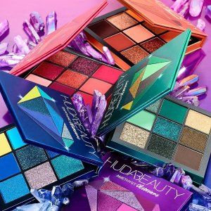 New Arrival! $27Huda Beauty Obsessions Eyeshadow Palette - Precious Stones Collection @ Sephora