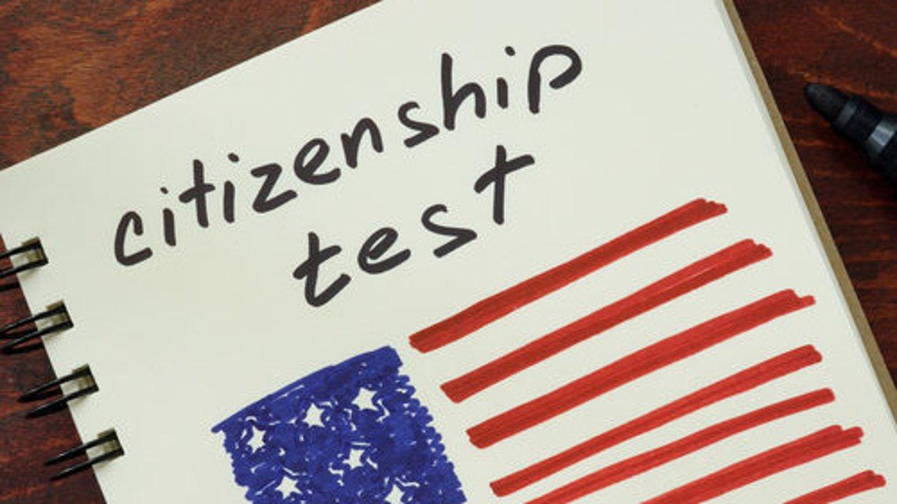 最新!移民入籍考试3月1日起恢复2008年版本测试;2021年最新美国入籍考试100题及128题!最新入籍考试试题中英文对照版本!