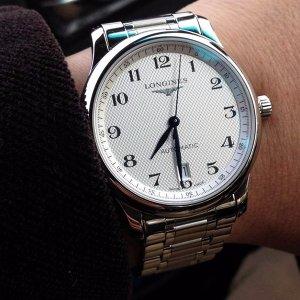 $1325 (原价$2050) 国内公价¥15400史低价:LONGINES Master 系列银色机械男表