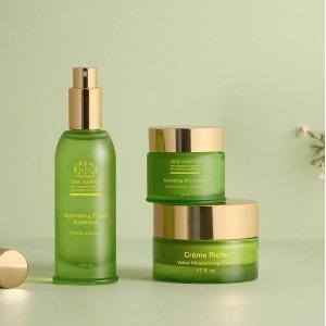 Limited Editionskincare sets @ Tata Harper