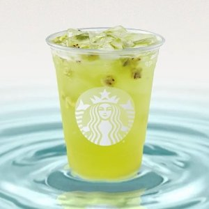 奇异果杨桃搭配酸甜过瘾星巴克Refresher冰饮新品全美开售,满满热带风情