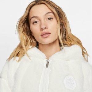 折扣区低至6折起 €71收工装外套Nike 秋冬外套专场 运动风冲锋衣、羽绒服 经典不褪流行