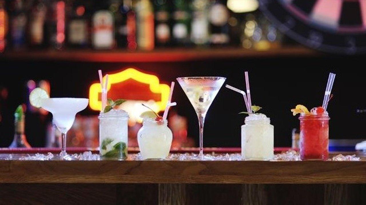 在澳洲第一次去酒吧怕露怯?菜鸟也能轻松get的点酒秘籍!酒吧浪起来!
