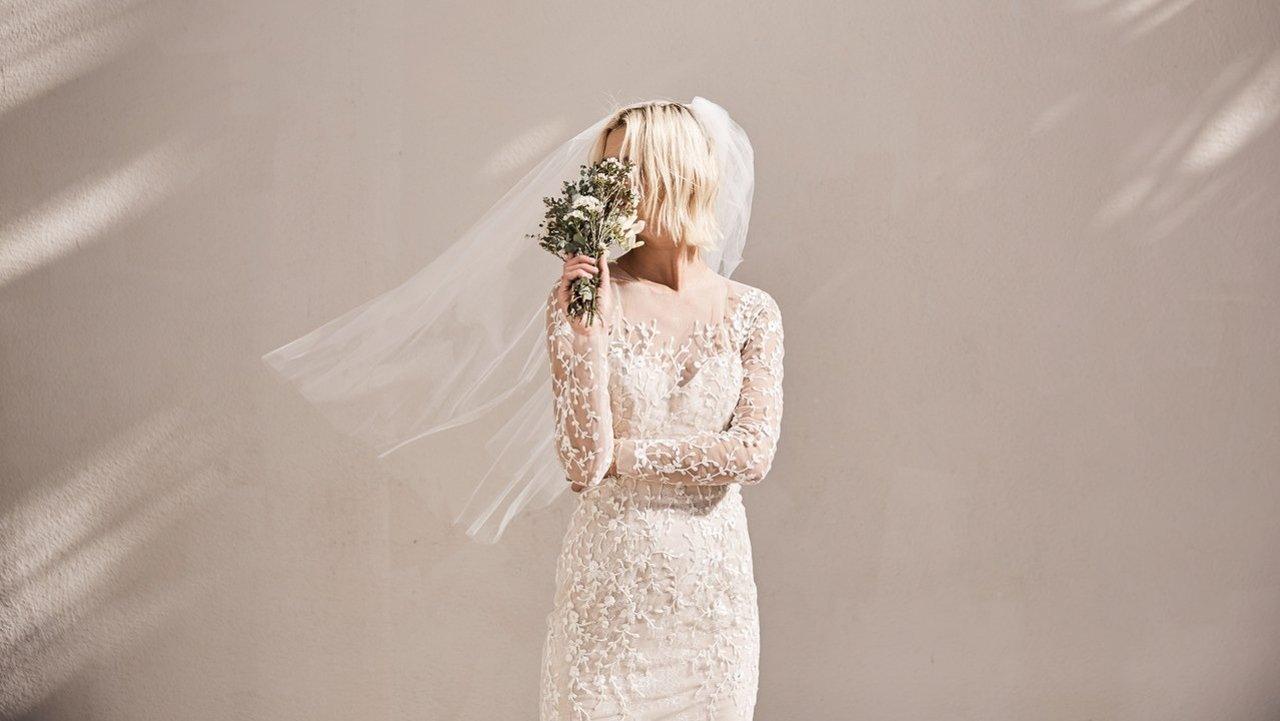 2019年婚纱品牌推荐 | 来看看这些高性价比、小众又美翻天的婚纱吧